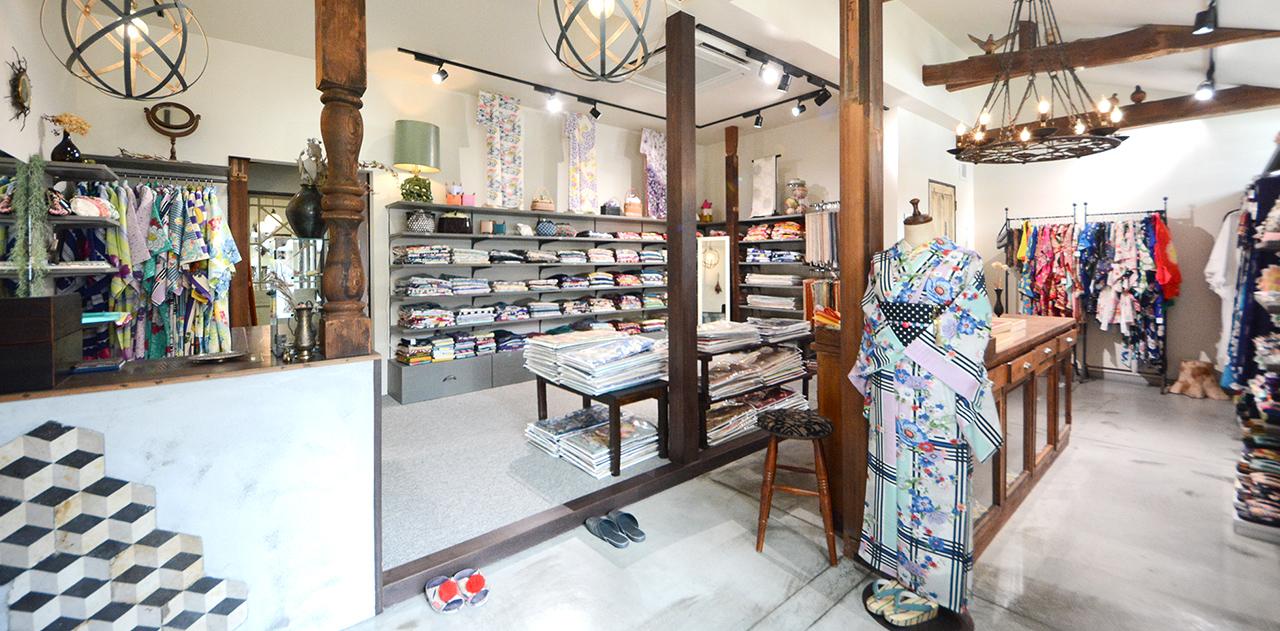 1階をアンティーク着物販売&浴衣レンタルのお店